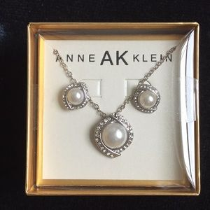 Anne Klein Earrings and Necklace Set - NWOT✨